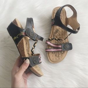 CORKYS Elite Cushioned Strappy Sandal SZ 7